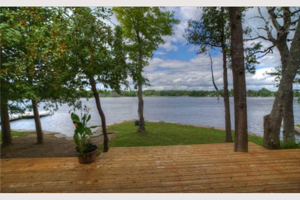 2 Lakeside-deck-view-to-the-lake---prior-to-new-glass-deck-rail