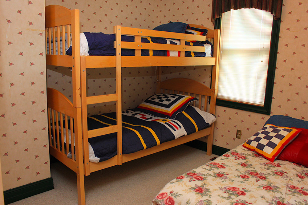 17 Bedroom-3-Single-bunks---single-bed