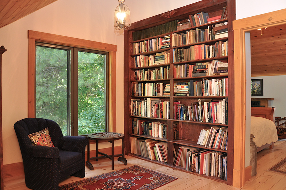 29-Reading-nook-with-library
