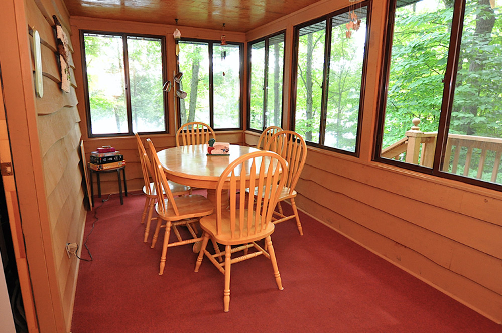 14-Screened-Dining-Room