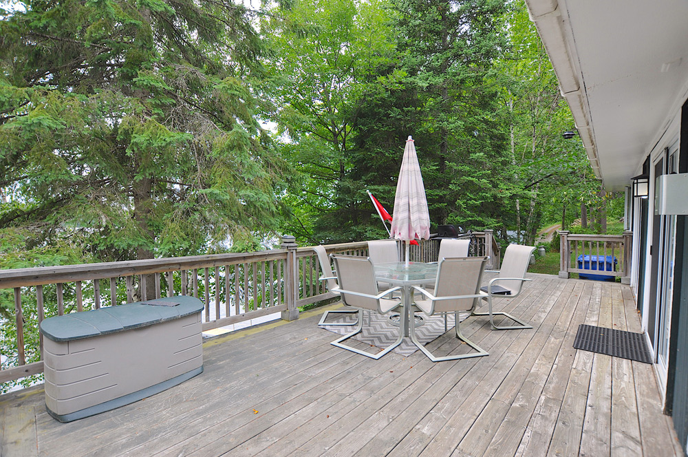 7 Lakeview-deck-view-2