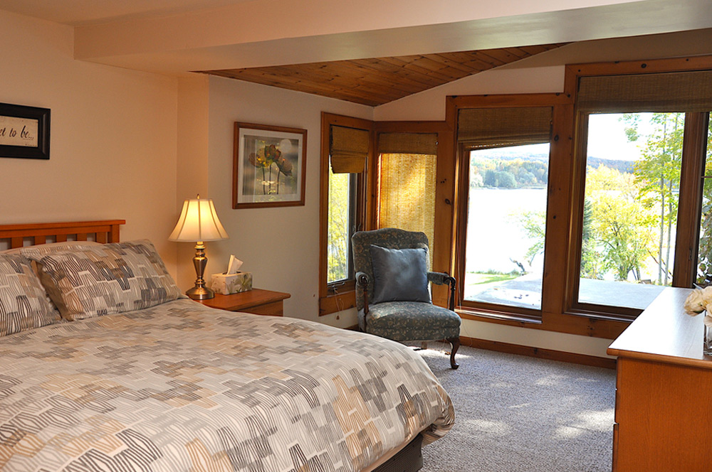 16-Master-Bedroom-view-to-the-lake