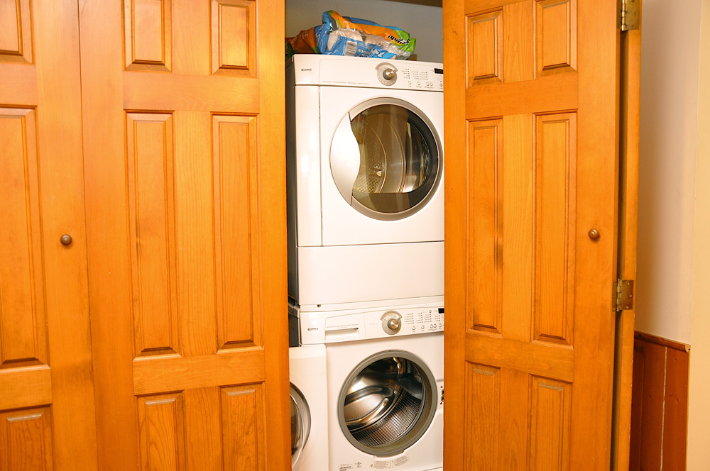 26-Laundry-cupboard