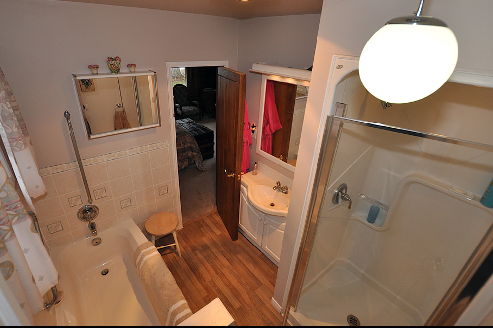 13 Master-Ensuite-Bathroom