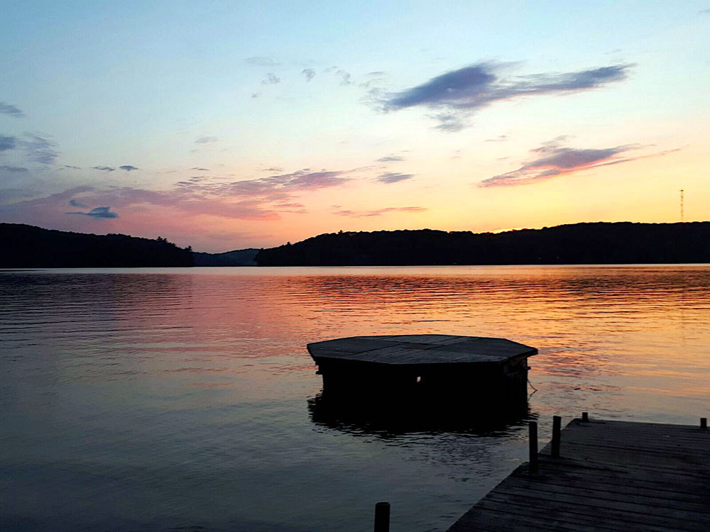 Haliburton Cottage - 12 Mile Lake - The Cumfy Cottage - Sunset-view-from-the-dock