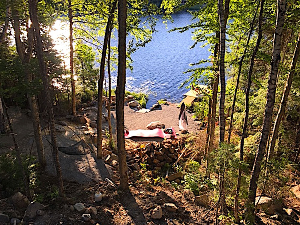 Haliburton Cottage - Growler Lake - View to the water front