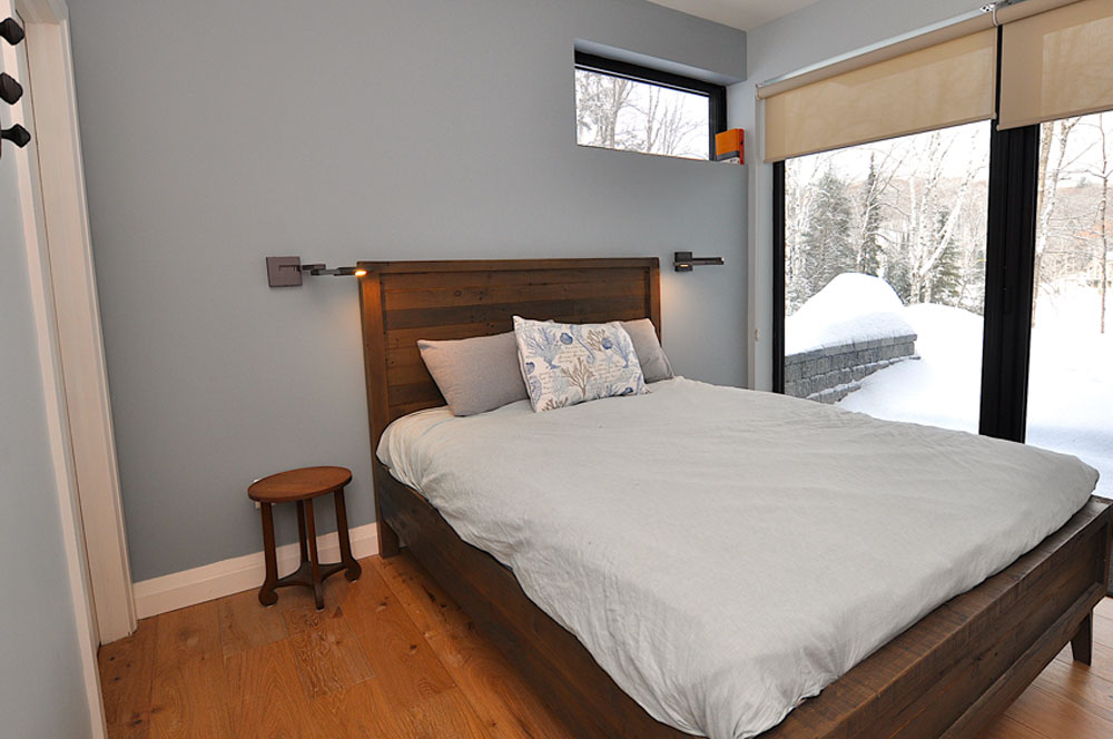 1Haliburton Cottage - Growler Lake - Bedroom-2-Queen-and-Walkout