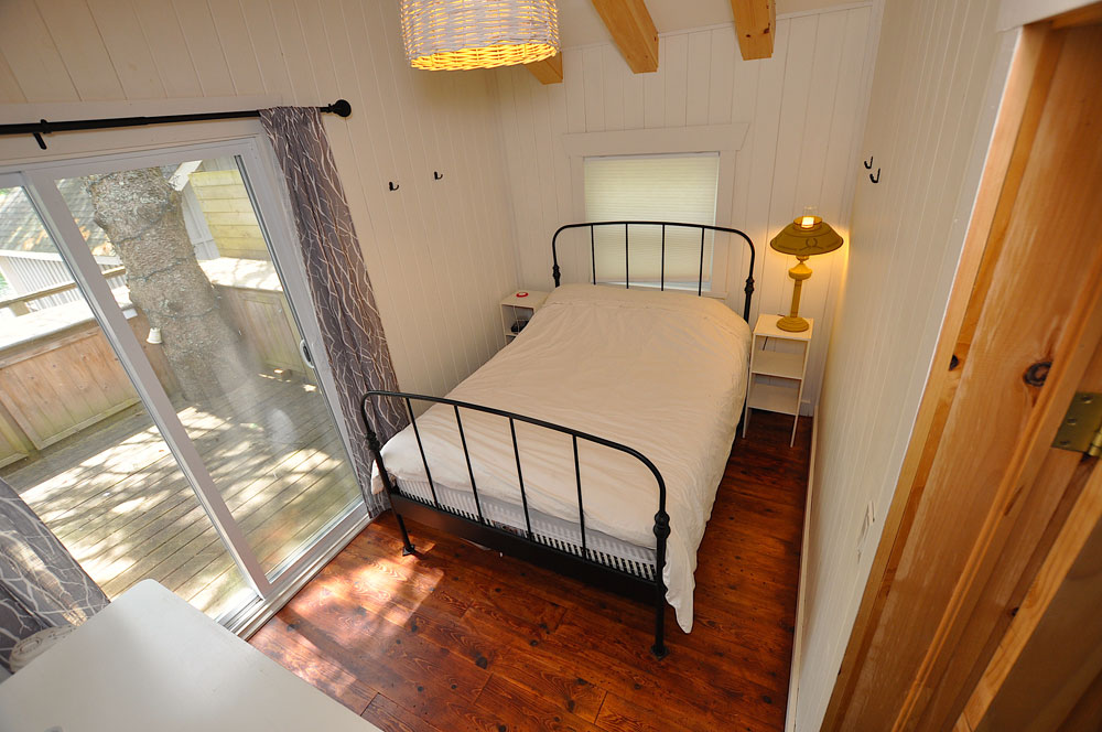 16 Master-bedroom-double-bed
