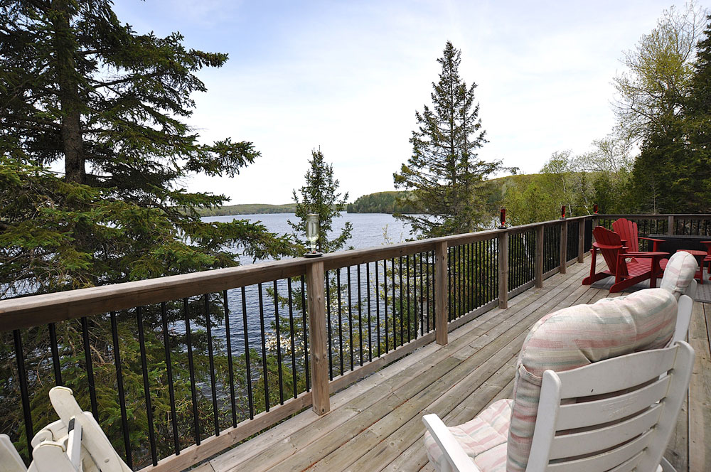1 Front-deck-with-big-lake-view