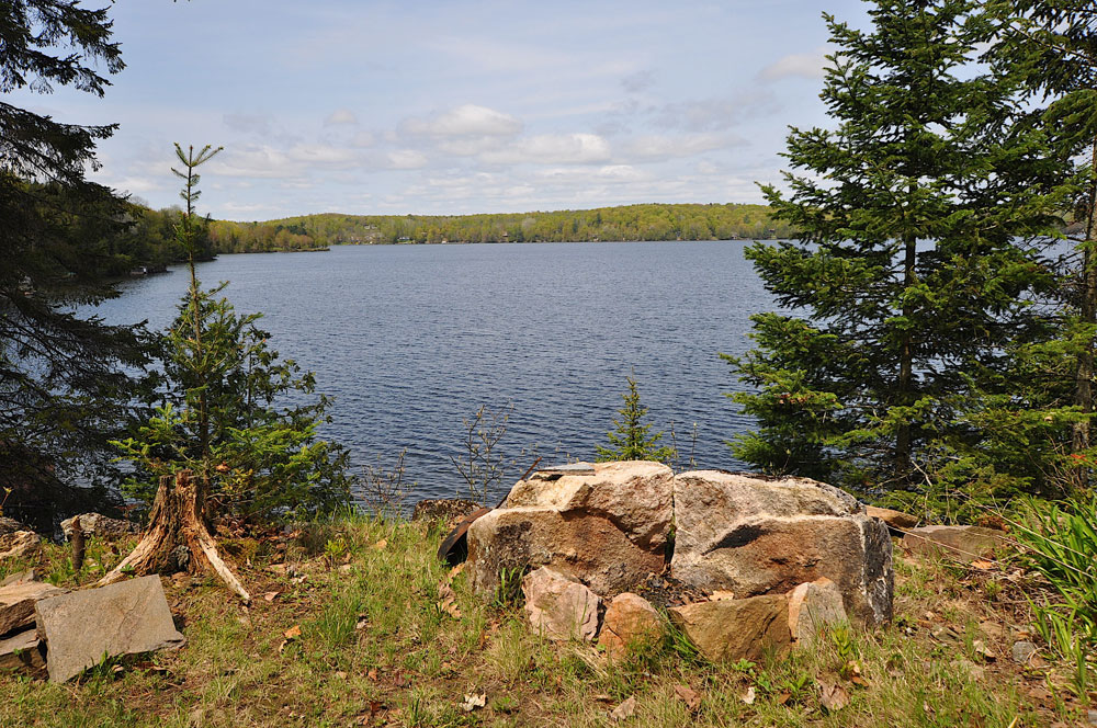 33-Firepit-overlooks-the-lake