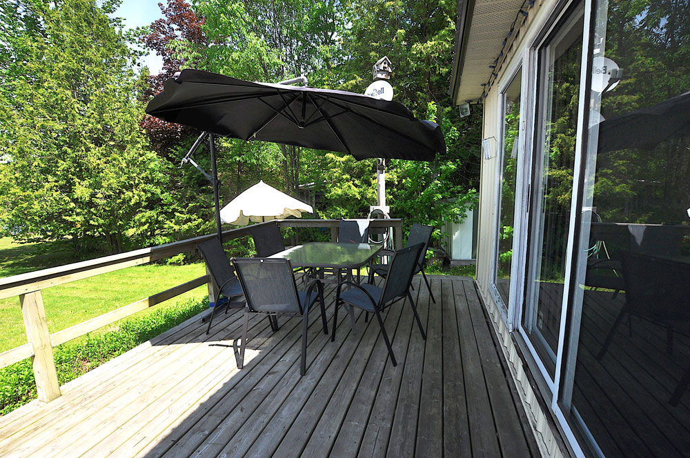 6a-Front-deck-dining-area-view-2