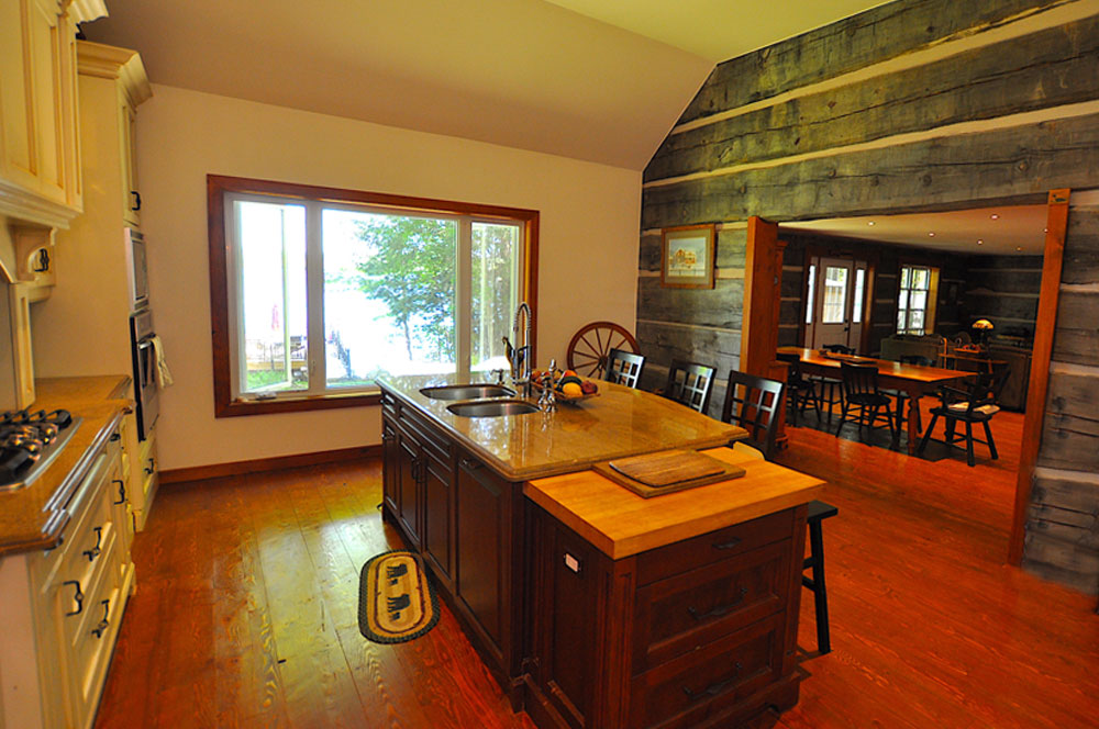 7 Kitchen-view-to-the-diningroom-and-lake