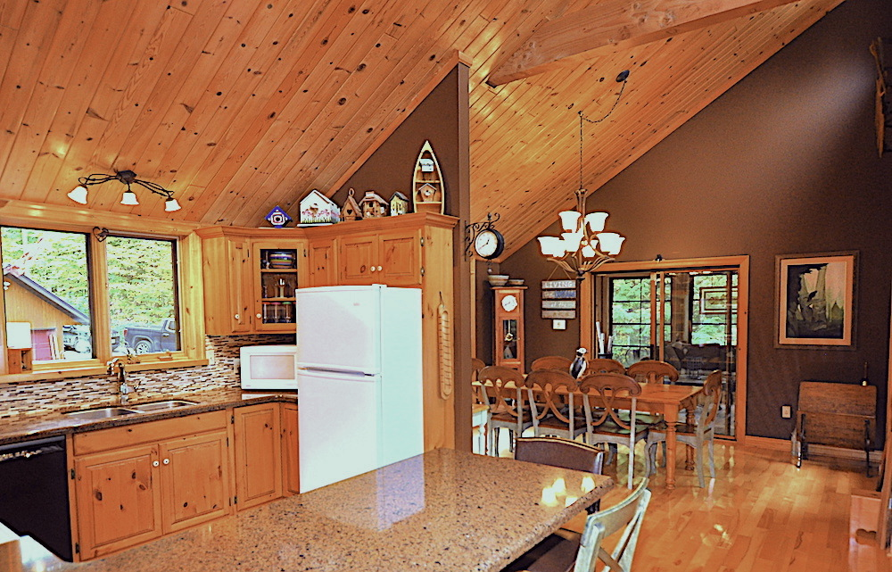 Monmouth Lake Big Cedar Dining Area from Kitchen