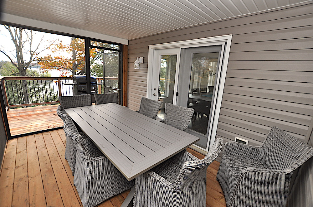 Haliburton Cottage Kennisis Lake Evergreen Terrace - Screened-in room off of dining