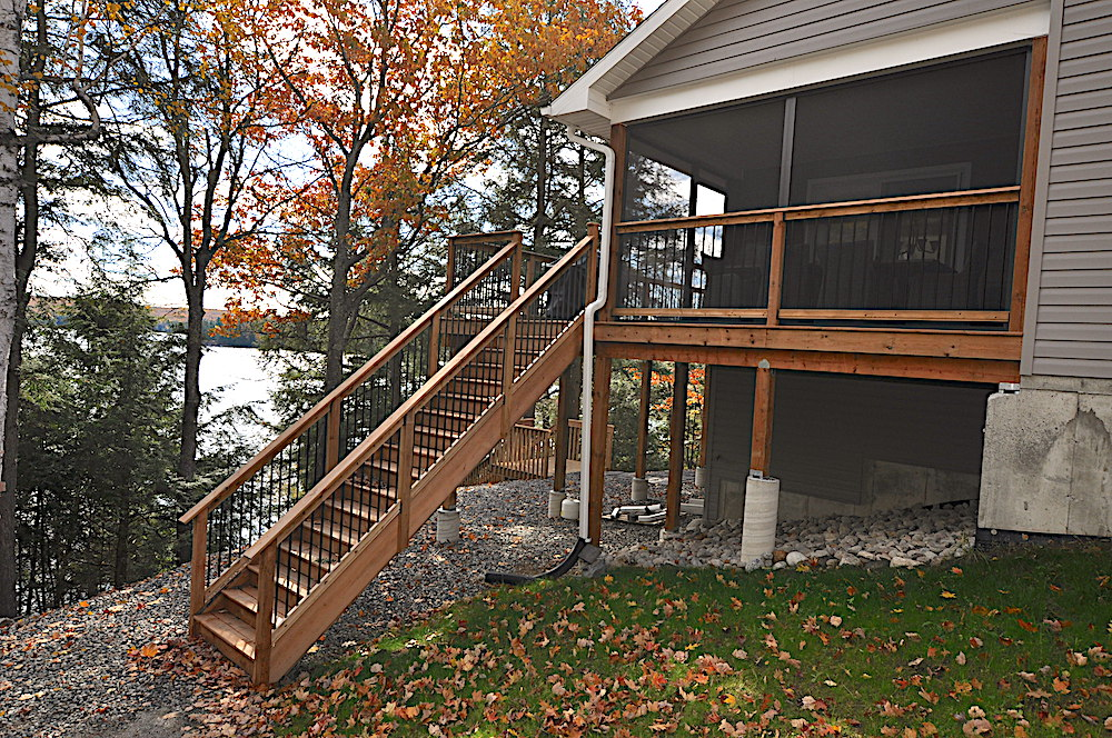 Haliburton Cottage Kennisis Lake Evergreen Terrace - Stairs to deck/screened-in porch