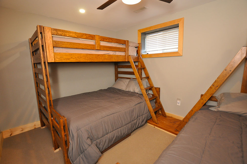 Bentley Lake Edgewater Escape  Bedroom-4---queen-single-bunks-view-1