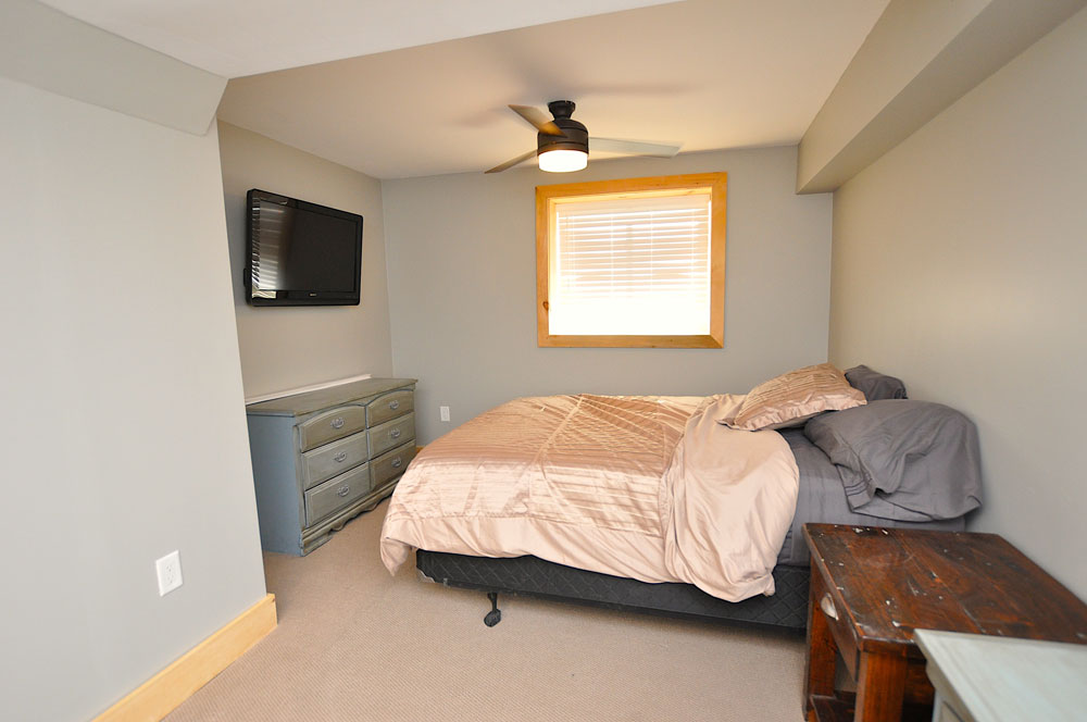 Bentley Lake Edgewater Escape Bedroom-5---Double---lower-level