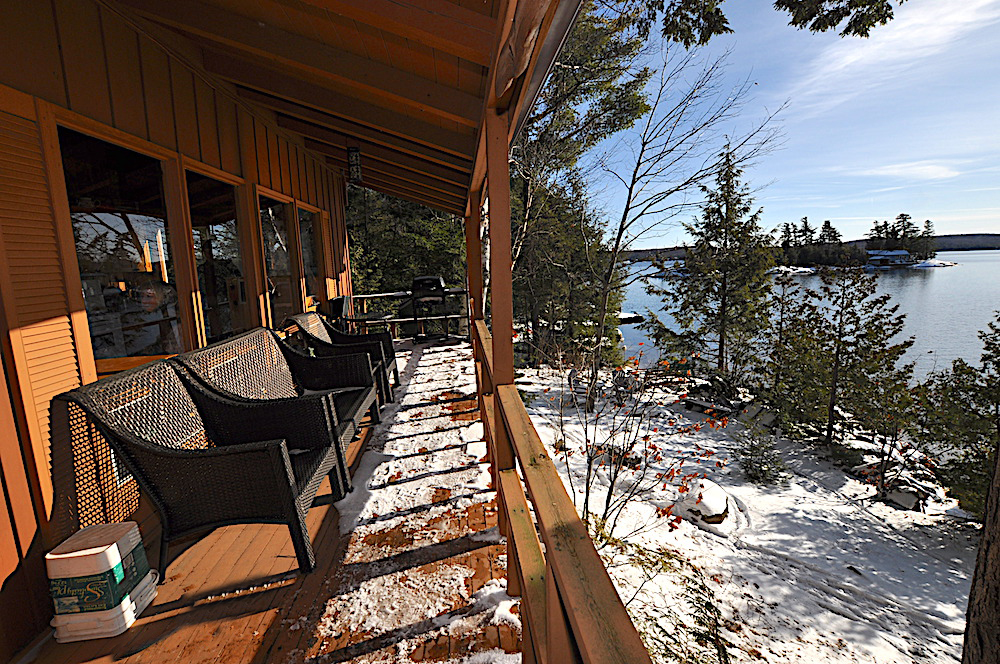 Kennisis Lake - Hideaway Bay - Covered porch for beautiful lake view