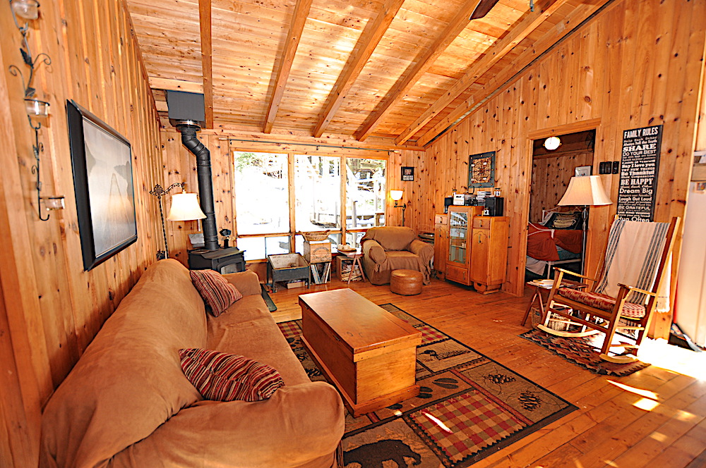 Kennisis Lake - Hideaway Bay - Living room view 2