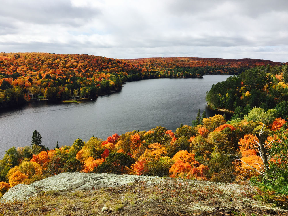25-A-fall-hike-view-of-Mink-Lake