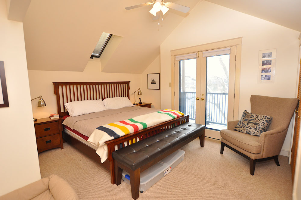 13 Master-bedroom---king-bed---with-full-ensuite