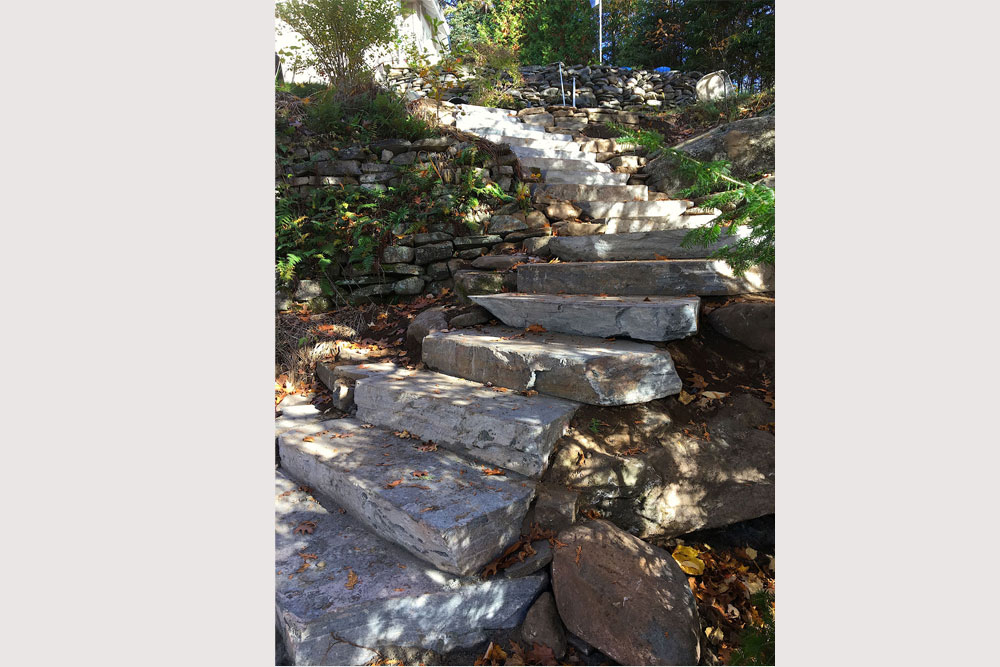 32-Landscaping-steps-down-to-the-firepit