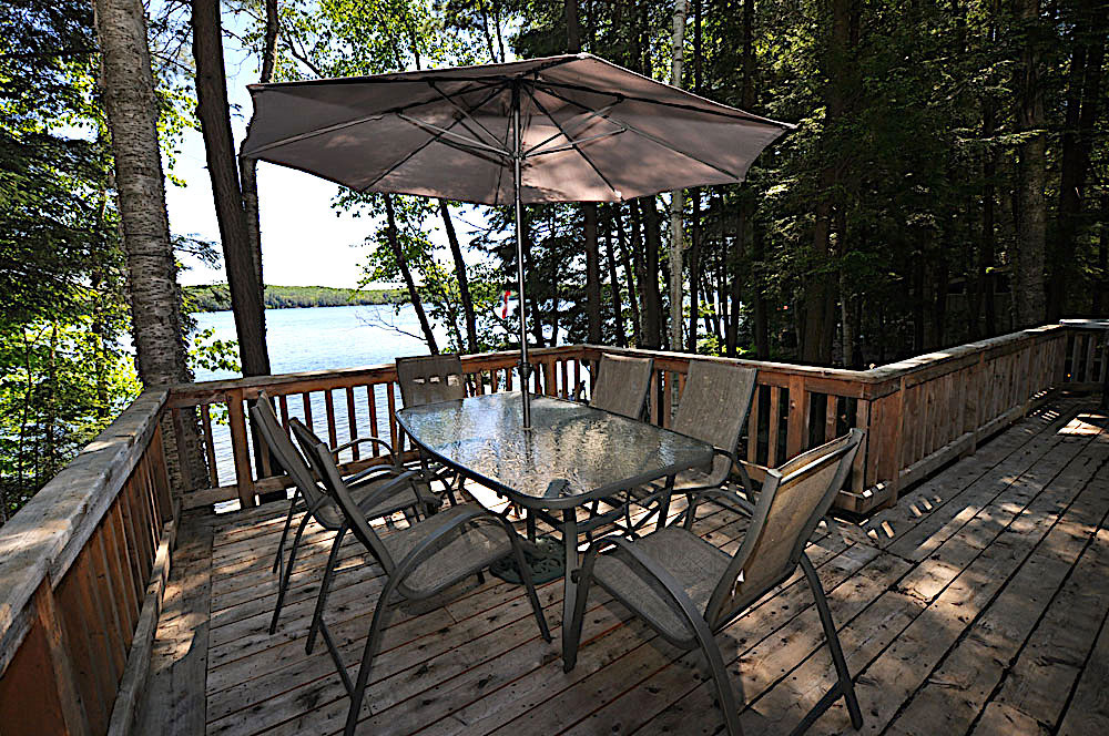 3-Kennisis-Lake-Pine-Point-Bay---Dining-Deck
