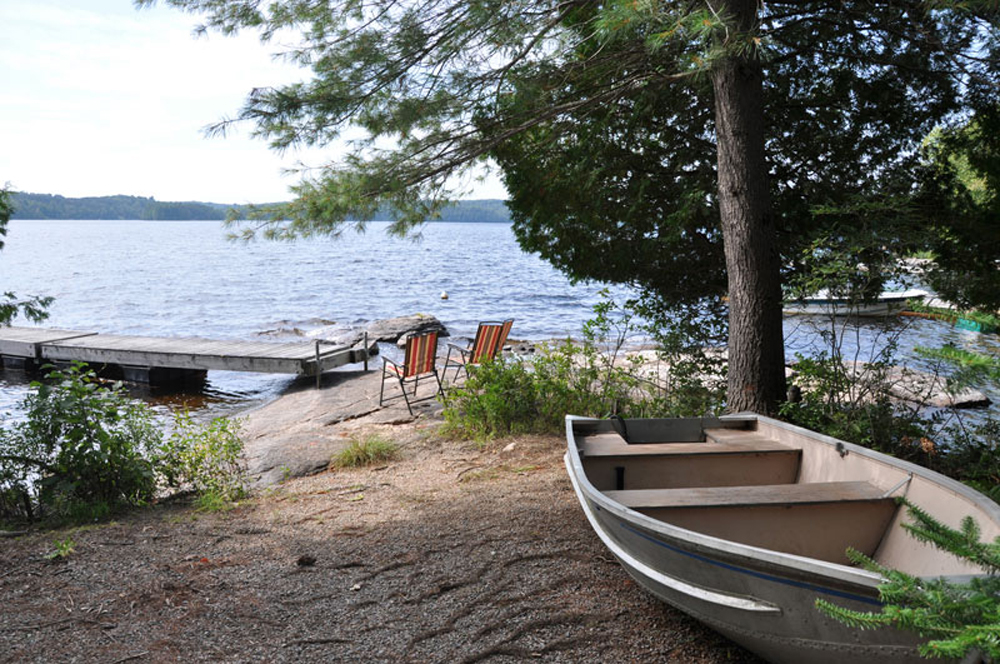 Haliburton Cottage - Soyers Lake Serenity - Beach and Dock