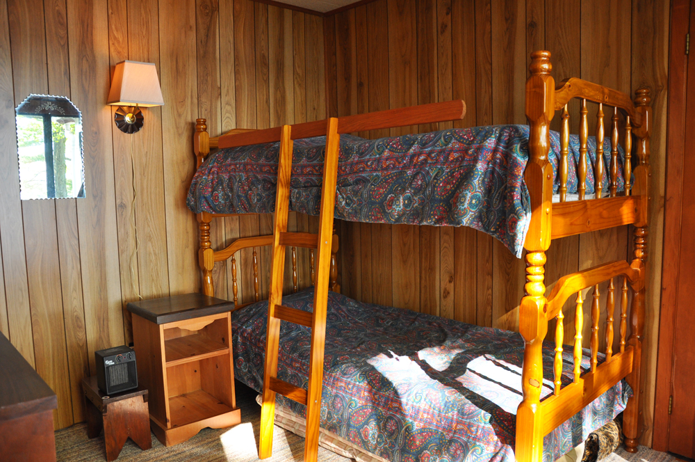 16-Bedroom 3 Bunks