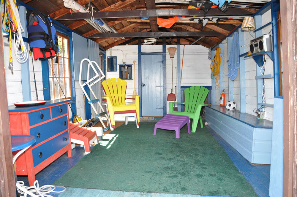 22-Inside Boat House