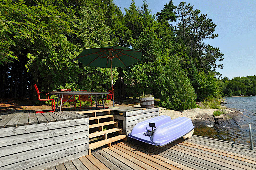 Haliburton Cottage - Kawagama Lake - Driftwood Bay - Dock-dining