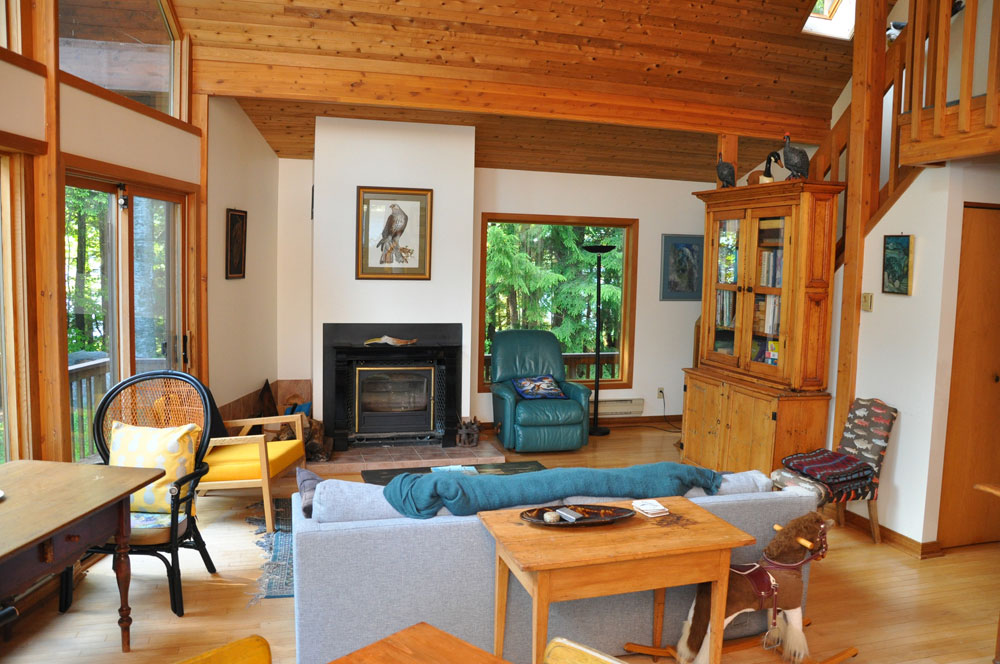 Haliburton Cottage - Kawagama Lake - Driftwood Bay - Living Room
