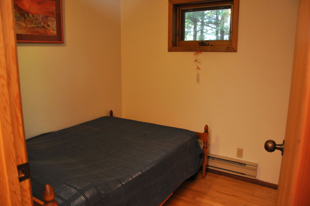 Haliburton Cottage - Kawagama Lake - Driftwood Bay - Childs room - Double Bed