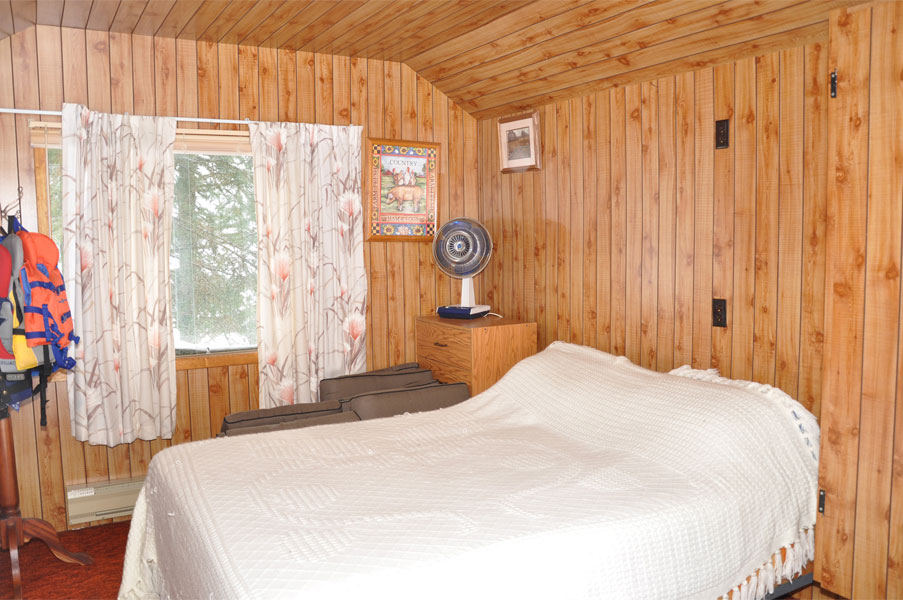 13-Queen bed in bunkie