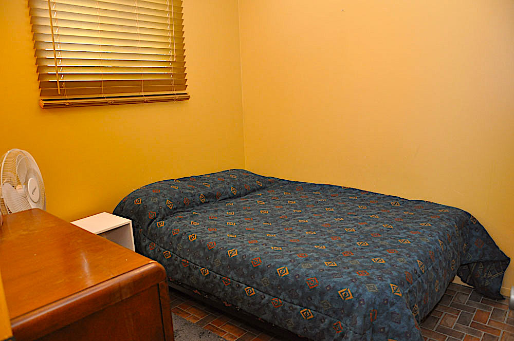 20 Guest House Bedroom 1 - Double