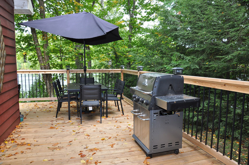 9-Deck BBQ & Table