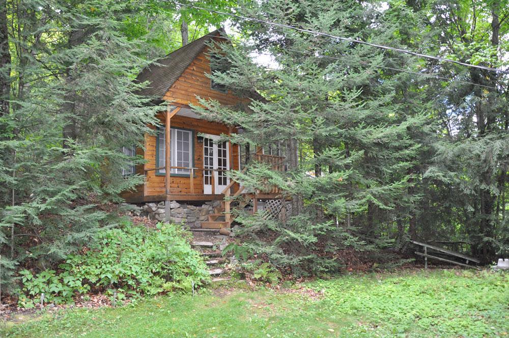 Esson Lake Eagles Nest Cottage Care Rentals Amp Property