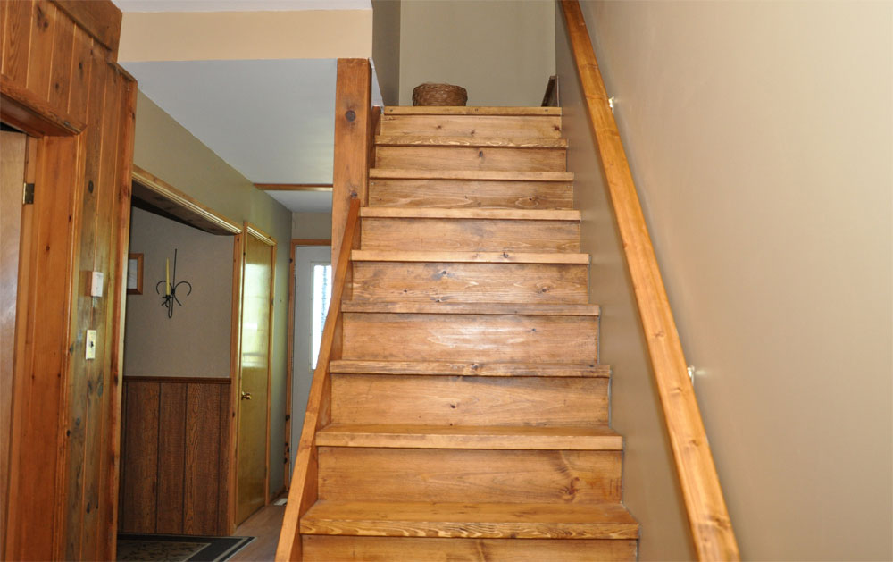 19-Stairs to Loft