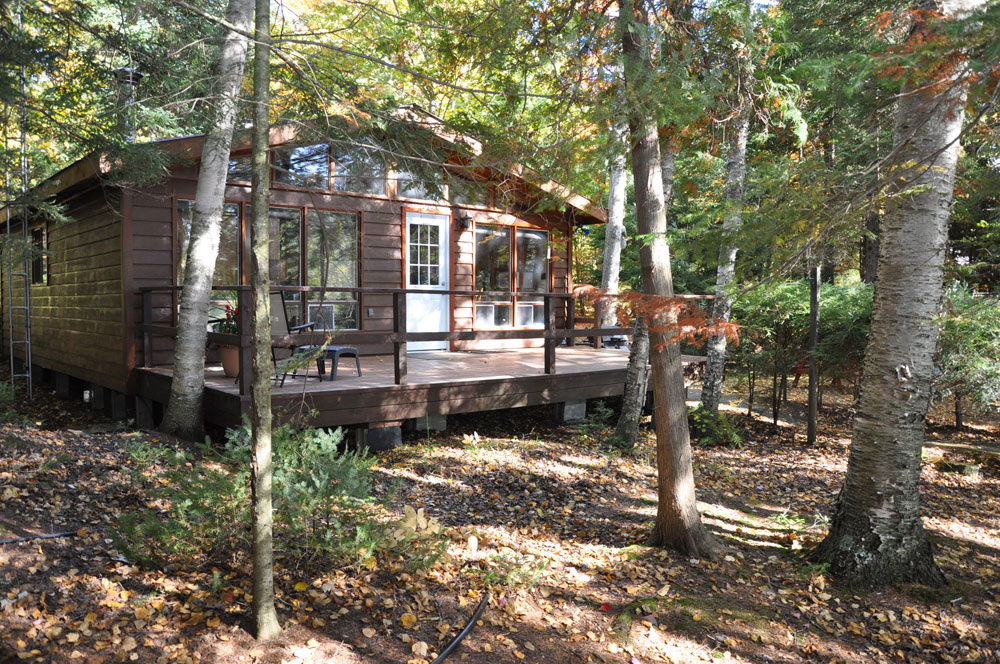 19-Sandy-Cove-cottage-is-nestled-in-the-trees