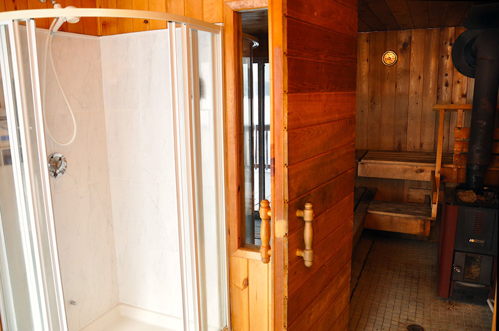 Haliburton Cottage - Allen Lake - Grandview - Sauna-and-Shower