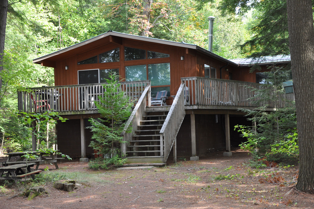 1-Windsor-Lodge-on-Little-Redstone-Lake