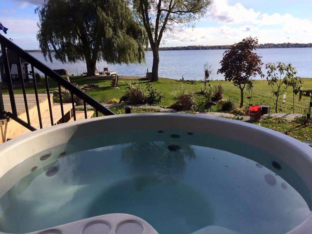 Kawartha Cottage - Pigeon Lake - Kotedza Lago - Hot tub