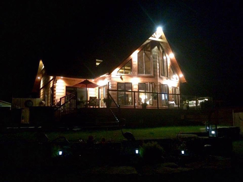 Kawartha Cottage - Pigeon Lake - Kotedza Lago - Kotedza Lago at night
