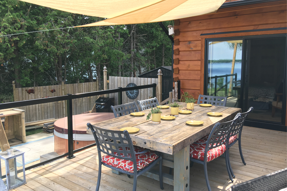 Kawartha Cottage - Pigeon Lake - Kotedza Lago - Outside Dining area view 2