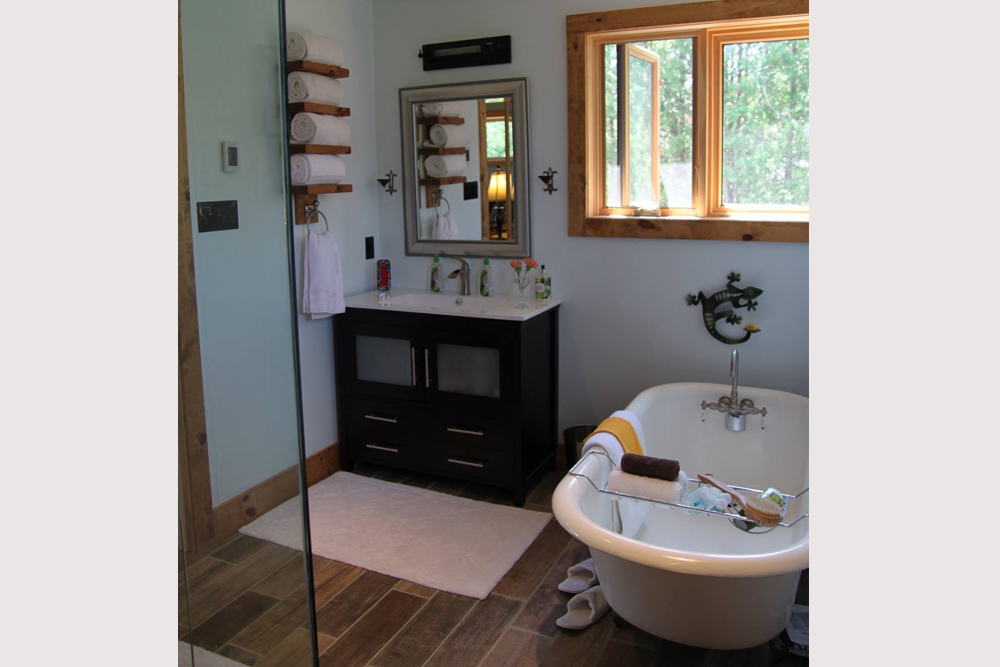 Kawartha Cottage - Pigeon Lake - Kotedza Lago-Loft Ensuite Tub