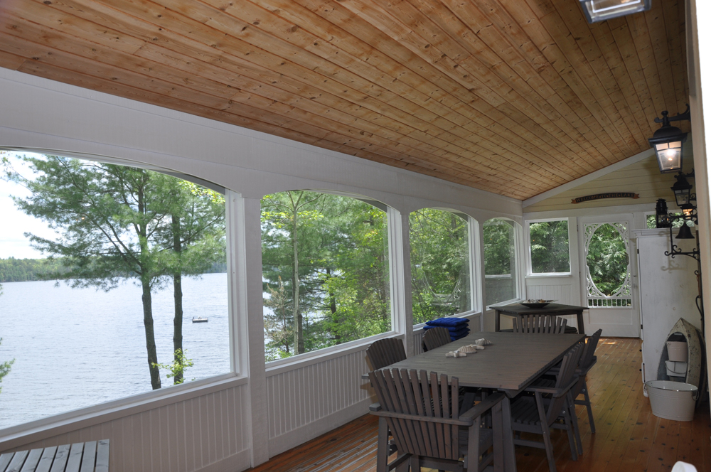 36 Lakeview screened veranda