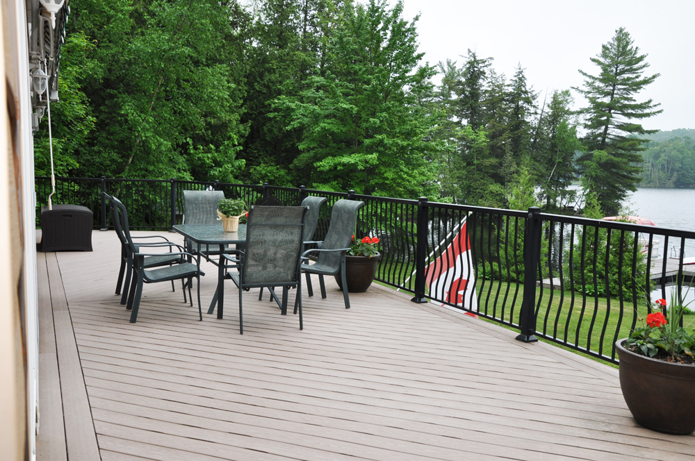 5 Upper deck lakeview dining