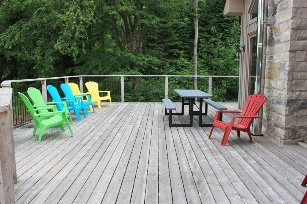 18 Deck-area-off-living-room---lake-side