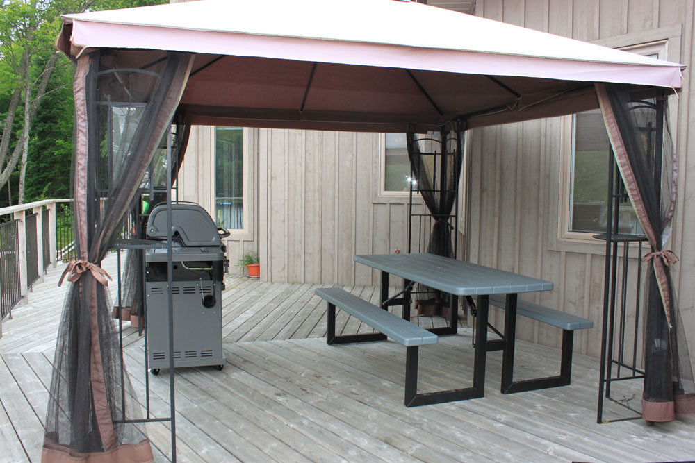 20 BBQ-+-Gazebo---Deck-lake-view