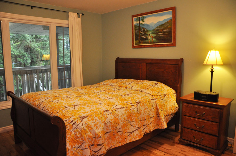 13-Master-bedroom-Queen